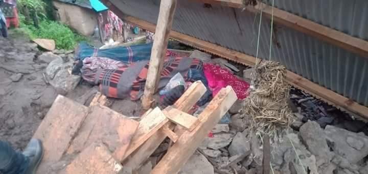 कालिकोट पहिरोमा परि एकै परिवारका ६ जनाको मृत्यु