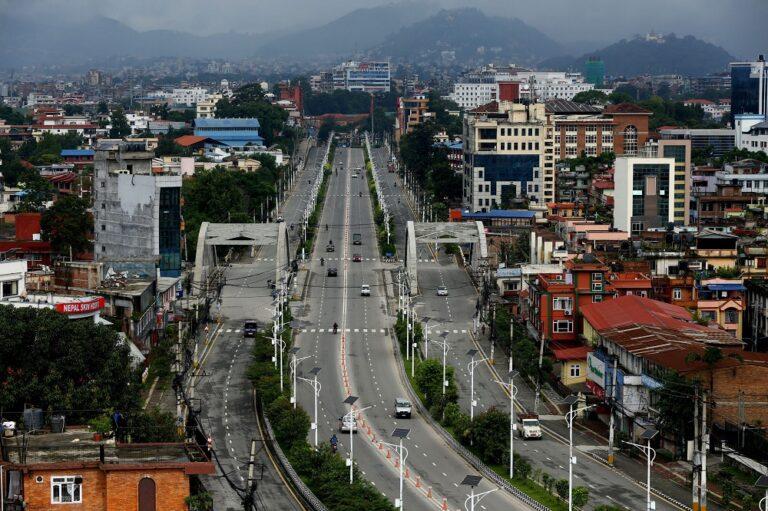 उपत्यकामा जारी निषेधाज्ञा थप १० दिन लम्बियो, लामो दूरीका सार्वजनिक यातायात चल्ने